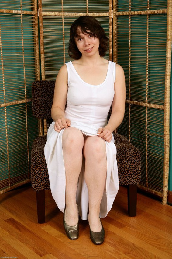 Nicole mercedes robinson nude pics